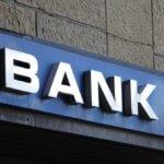 Otwierasz konto bankowe? Sprawdź, na co zwrócić uwagę i jak wybrać odpowiedni bank!